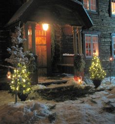 Swedish entrance decorated for Christmas, snow, trees and lights. Christmas Scenes, Noel Christmas, Merry Little Christmas, Country Christmas, Winter Christmas, Christmas Lights, Christmas Decorations, Advent, Entrance Decor