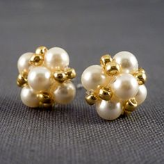 Make these lovely vintage-inspired pearl earrings with this simple tutorial.
