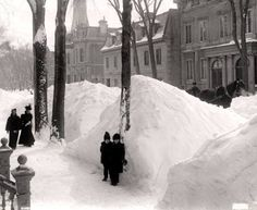 After New York: Montreal circa 1900 after a snow storm x Old Montreal, Montreal Canada, Time Photo, Far Away, Old Photos, The Good Place, The Past, Around The Worlds, Snow