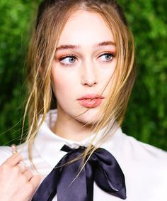 """Alycia Debnam-Carey attends the Chanel Fine Jewelry Dinner in honor of Keira Knightley and debut of the Jewel Box. Radio Rebel, Alycia Debnam Carey, Tom Hiddleston, Clarke And Lexa, Wattpad, Clexa, Vogue Australia, Gal Gadot, Beautiful Actresses"