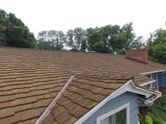 Photos Faux Cedar Shake Roof   Top Rated Synthetic Composite CeDUR Roofing Shakes Wood Roof Shingles, Cedar Shake Shingles, Cedar Shakes, Cool Roof, Roof Panels, Roof Top, House Roof, Metal Roof, Top Rated
