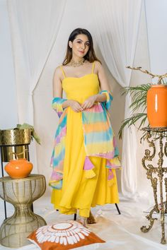 Designer Party Wear Dresses, Kurti Designs Party Wear, Lehenga Designs, Dresses To Wear To A Wedding, Stylish Dress Designs, Designs For Dresses, Stylish Dresses, Stylish Kurtis, Indian Gowns Dresses