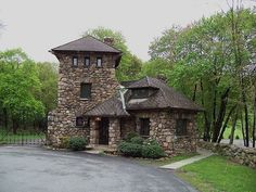 Stone Cottages, Cabins And Cottages, Stone Houses, Cabin Homes, Log Homes, Stone Cabin, Tower House, Rustic Home Design, Gate House