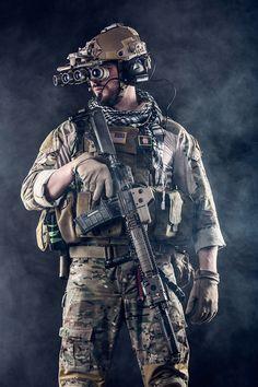 Call of Duty Modern Warfare Night Vision Goggles – Tactical Blueprint Call of Duty Modern Warfare Nachtkijker – Tactische blauwdruk Military Special Forces, Military Police, Military Weapons, Military Art, Modern Warfare, Call Of Duty Warfare, Wallpaper Animes, Special Ops, Army Soldier