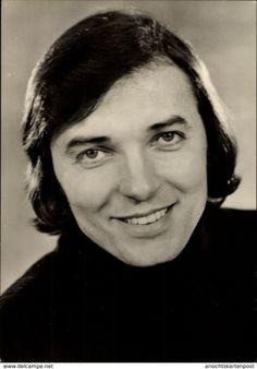 Karel Gott (* Juli 1939 in Pilsen; † Oktober 2019 in Prag) Gott Karel, Rest In Peace, Charlotte, Celebrity, Music, Stocking Stuffers, Guys, Musica, Musik