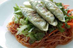Korean Spicy Noodles with fried Dumplings - Recipes Sprout Recipes, Spicy Recipes, Asian Recipes, Ethnic Recipes, Asian Foods, Korean Dishes, Korean Food, K Food, Food Porn