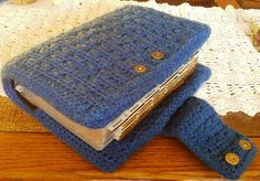 One of the prettiest crocheted Bible covers I've found.  Designed by Wena' Knaup and the pattern is free on Ravelry!