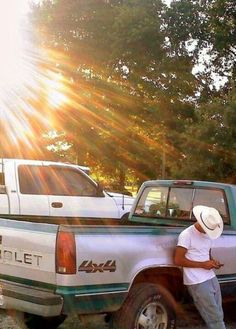 nothin better than a chevy and a country boy Cute Country Boys, Country Strong, Country Men, Mode Country, Country Life, Country Roads, Country Living, Photo Wall Collage, Picture Wall