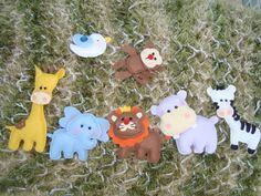 Lindos animais da selva. Confeccionados todos em feltro, com enchimento de manta acrilica.   Leão, Zebra, Elefante, Hipopotamo,Girafa, Macaco e Passarinho.