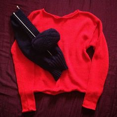 The extremly vibrant red cardigan and not yet done navy sweater :) #machine #knitting #knit #knitted #handmade #red #darkblue #navy #wool #cotton #sweater #cardigan #fashion #slowfashion #diy #madeinpoland #queenzoja