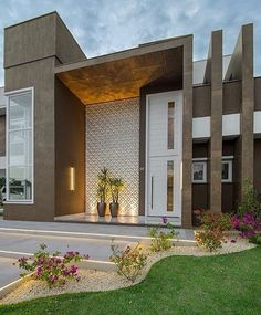 modern home exterior wall design house front decoration ideas 2019 Exterior Wall Design, Modern Exterior, Door Design, House Front Design, Modern House Design, Box Houses, Facade House, Design Case, Style At Home
