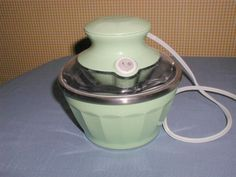 HAMILTON BEACH HALF PINT SOFT-SERVE ICE CREAM MAKER #6855IE GENTLY USED CONDITION GREEN. FOR SALE IN MY STORE: https://www.ebluejay.com/Ads/item/5771071