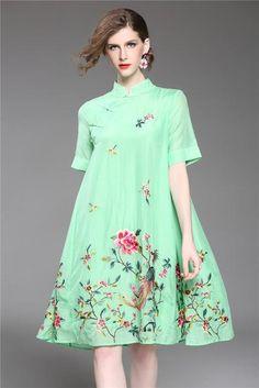 Chinese style 2018 Women Summer Brand Flower Phoenix Embroidery Long Casual Loose Beach Cheongsam Dress Vintage 9381