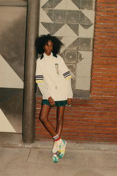 Fashion Week, World Of Fashion, Runway Fashion, Street Fashion, Fashion Trends, Lacoste, Fashion Catalogue, Fashion Show Collection, Vogue Paris
