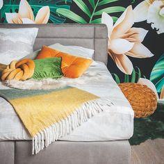 Ook verschillende soorten bedden kan je vinden bij BE-Okay!•Nieuwe #collectie ! 💜Bekijk ons magazine op be-okay.be! 👈🏻•••#be_okay_youngliving #be_okay #decoratie #decoration #beokay #becool #besmart #interior #deco Young Living, Diy, Throw Pillows, Blanket, Design, Concept, Home, Modern, Toss Pillows