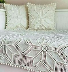 Transcendent Crochet a Solid Granny Square Ideas. Inconceivable Crochet a Solid Granny Square Ideas. Crochet Bedspread Pattern, Granny Square Crochet Pattern, Crochet Pillow, Crochet Squares, Crochet Motif, Crochet Patterns, Crochet Afghans, Lace Bedding, Square Blanket
