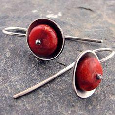 Cupped Coral Beaded Artisan Earrings in von DebSoromenhoJewelry