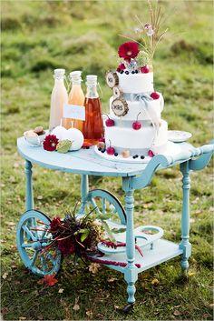 Cute vintage cake cart @weddingchicks