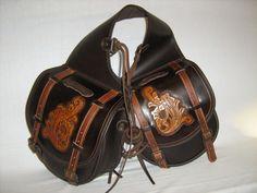 Comancheros' original horse saddlebag, handmade leather workmanship. Made with a precious Italian leather, selected by Comancheros