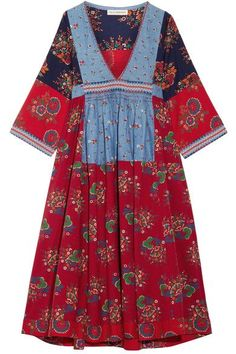 Ulla Johnson's bohemian collections are inspired by the designer's childhood vacations. Made from a crisp cotton and linen-blend, this 'Milenia' dress features intricate embroidery, flattering hand-stitched pleats at the waist and colorful floral-print patches. Wear yours with neutral accessories.