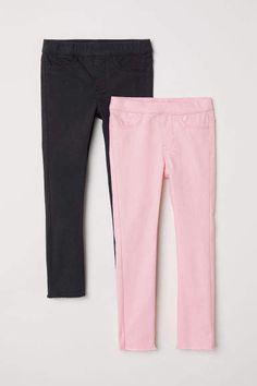 Treggings in washed stretch twill with an elasticized waistband and mock fly. Mock front pockets and raw-edge hems. Fashion 2017, Kids Fashion, Treggings, Bermuda Shorts, Dark Blue, Sweatpants, Pink, Raw Edge, Pockets