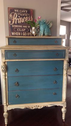 Chalk paint Aubusson and old ochre?