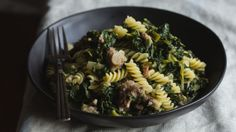 Otto is known for its pizza, but chef Dan Drohan makes a slew of fantastic pasta as well. Watch him cook up this satisfying bowl of fusilli with sausage and escarole. Wine Recipes, Cooking Recipes, Healthy Recipes, Pasta Recipes, Healthy Meals, Yummy Recipes, Pasta Dishes, Food Dishes, Main Dishes