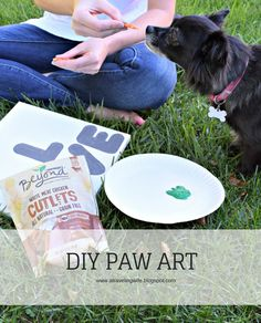 DIY Paw Art #beyondsnacks [ad]