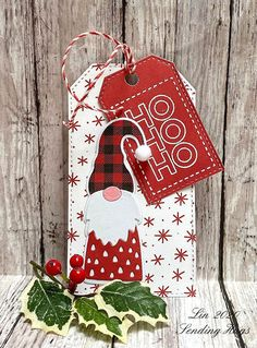 Christmas Tags Handmade, Christmas Paper Crafts, Handmade Tags, 25 Days Of Christmas, Christmas Cards To Make, Xmas Cards, Christmas Gift Card Holders, Christmas Stocking, Gift Cards