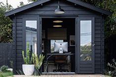 Modern Farmhouse Style Exterior Paint Colors Best House Colors Exterior, Modern House Colors, Exterior Paint Color Combinations, House Paint Color Combination, Best Exterior Paint, House Paint Exterior, Exterior Paint Colors, Outside House Paint Colors, Paint Colors For Home