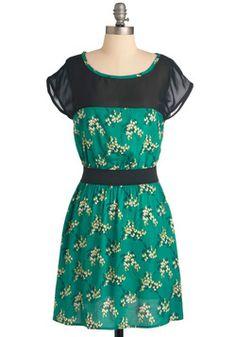 Pleasant Valley Sweetie Dress in Kelly