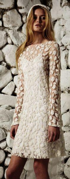 Wedding dress idea  Featured Dress  Bo   Luca Abito Da Sposa Lunghezza Tè 5958f81de72