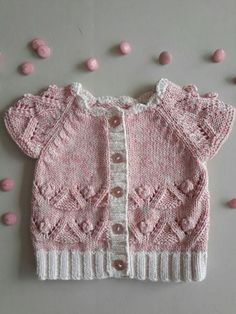 Baby crochet set in lilac and white made with shimmer yarn Baby Knitting Patterns, Arm Knitting, Knitting For Kids, Crochet Patterns, Knit Baby Dress, Knitted Baby Cardigan, Baby Pullover, Baby Sweaters, Girls Sweaters