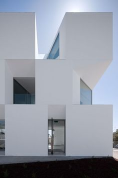 This beauty of a building is a nursing home, recently completed by Aires Mateus Architects in Alcácer do Sal, Portugal. Unlike the imagery our mind serves us when we think of a nursing home, this. Architecture Design, Minimal Architecture, Facade Design, Amazing Architecture, Contemporary Architecture, Exterior Design, Classical Architecture, Landscape Architecture, Modern Contemporary