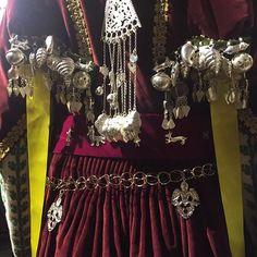 Greece Costume, Folk Art, Charms, Greek, Weaving, Culture, Costumes, Jewellery, Embroidery