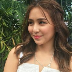 think of all the beauty still left around you and be happy. Kathryn Bernardo Hairstyle, Kathryn Bernardo Outfits, Filipina Actress, Filipina Beauty, Hair A, New Hair, Curl Styles, Hair Styles, Teen Celebrities