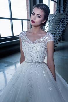 15093-1 в Красноярске, Платье в пол, Свадебное платье с рукавом, Свадебное платье с закрытым верхом, Пышное свадебное платье
