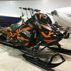 Image gallery for our Skidoo XM XSmodel sled wraps.