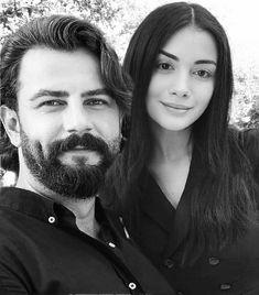 "💞ozgok fan💞 na Instagramie: ""💕🌺💕#ozgeyagizz #gokberkdemirci @gokberkdemirci @ozgeyagizz"" Couple Goals Relationships, Relationship Goals, Best Couple Pictures, Couple Photos, Turkish People, Underwater Art, Turkish Beauty, Cute Couples, Galia Lahav"