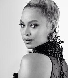 Beyoncé no tapete vermelho do Tidal X (Foto: Reprodução)