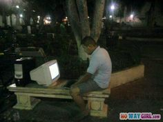 NoWayGirl.com » Doing anything for WiFi