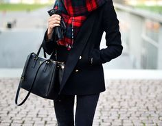 Simple & Easy Checkered & Black Winter Outfit : Street Style : MartaBarcelonaStyle's Blog