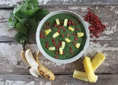 Tropical Superfood Smoothie Bowl // nutritionstripped.com