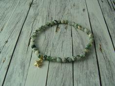 Armbänder - süßes Armband mit Moosachat und Stern grün gold - ein Designerstück von buntezeiten bei DaWanda