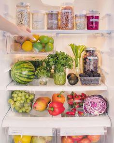 52 Ideas For Vegan Fridge Organization Health Healthy Fridge, Clean Fridge, Fridge Cleaning, Cleaning Tips, Fridge Organization, Recipe Organization, Organizing, Healthy Habits, Healthy Snacks