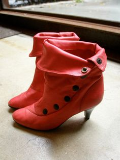 Red punk 80s snap buttons ankle boots