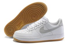 NIKE - AIR FORCE ONE LOW Nos 25 baskets fétiches