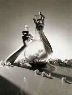 Horst P.Horst, Lisa Fonssagrives Hands, New York, 1941