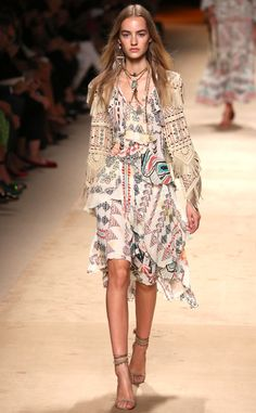 Etro proves once again that you can keep that free-spirit vibe while still looking polished. LOVE!
