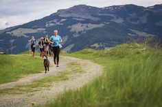 Running with Dogs ( Run Happy, Running Motivation, Trail Running, Dog Lovers, Photo And Video, Mountains, Runners, Dogs, Travel